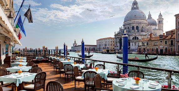 Gritti palace with boats and water
